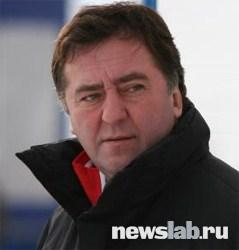 Главный тренер команды по хоккею с мячом «Енисей» Ломанов Сергей Иванович