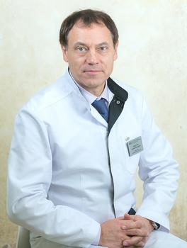 Депутат Горсовета Красноярска, главный врач Краевого онкологического диспансера Модестов Андрей Арсеньевич