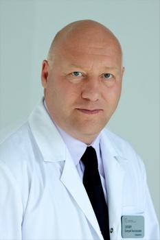 Главный врач Федерального центра сердечно-сосудистой хирургии  доктор медицинских наук, профессор Сакович Валерий Анатольевич