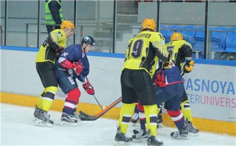 Хоккей: «Сокол» – «ЦСК ВВС» (Самара)