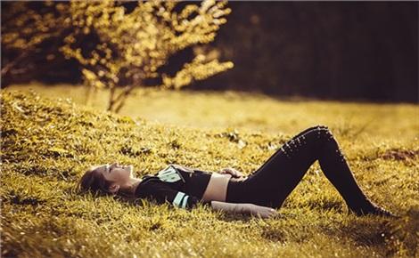 Йога в парке на Каменке
