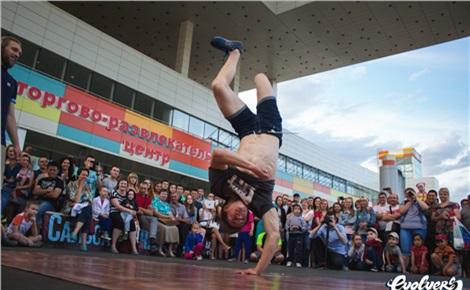 Танцевальная площадка ТРЦ «Планета»