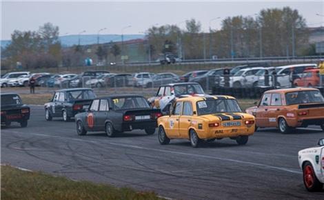 Автомобильный спорт. Кольцевые гонки