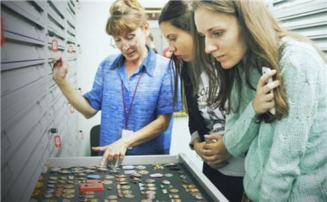 Тайны музейных кладовых