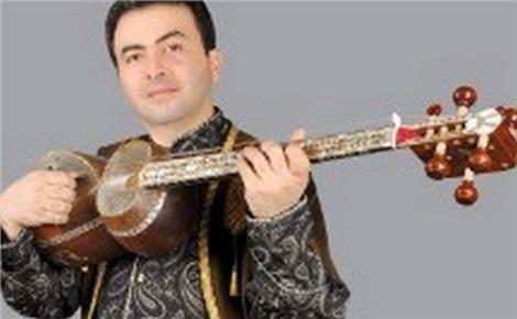 Аки Курода (фортепиано, Япония) и Хидэдзиро Хондзё (сямисен)