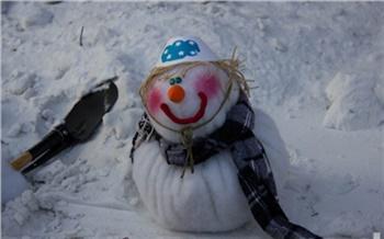 Снеговики, стройся!