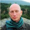 Личные шарфы российских звезд продадут наблаготворительном аукционе (видео)