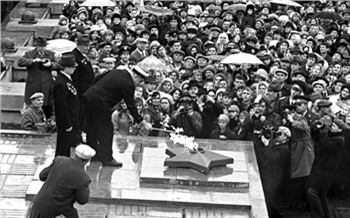 Фотоистория: Как открывали «Мемориал Победы»