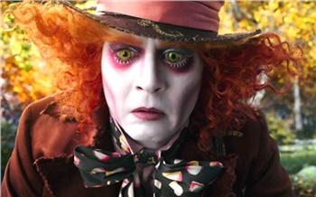 «Алиса вЗазеркалье»: Кэрролл вертится вгробу