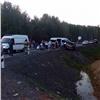 ВБалахтинском районе микроавтобус столкнулся синомаркой, пострадали 9человек
