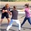 Наул. Шахтеров автоледи сбитой разняла дерущихся водителей (видео)