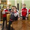 Футболисты изКанского детского дома побывали вгостях улондонского «Арсенала»