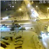 Автомобилисты устроили ДТП сдракой вцентре Красноярска (видео)
