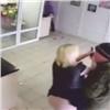 ВАчинске продавщицы цветов задержали вооруженного грабителя (видео)