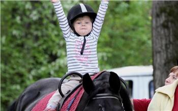 Иппотерапия: как лошади лечат детей вКрасноярске