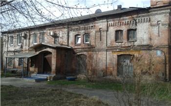 «Психи выли ипугали рожениц»: история старейшей больницы Красноярска