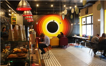 Кофейня «Черная дыра»: завтрак на орбите