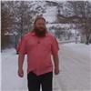 Гуляющий зимой без куртки красноярец объяснил свой внешний вид (видео)