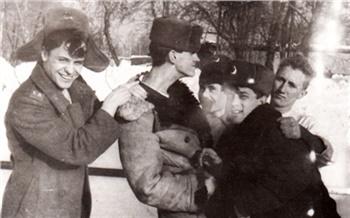 Фотоистория: Как известные красноярцы вармии служили