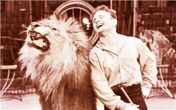 «Грусть иуспех, слёзы исмех»: история Красноярского цирка