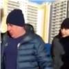 «Приехали братки вцепях»: владельцам экономжилья вКрасноярске не дают сменить УК