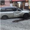 «Все торопились»: вцентре Красноярска после ДТП Nissan отлетел натротуар