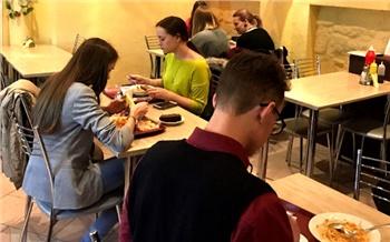 «Обед засотку»: чем кормят вдешёвых столовых Красноярска?