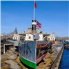 Полузатянутый баннером красноярский пароход вызвал споры всоцсети