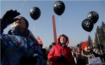 «Дети впротивогазах иКрымская весна»: как митинговал Красноярск