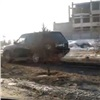 «Разворотили газон»: объезд пробки наМужества возмутил красноярцев (видео)