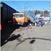 КамАЗ отбросило на30метров после столкновения споездом