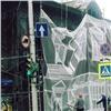 Обветшалые исторические дома вцентре Красноярска прячут забаннерами
