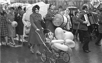 «Мыжарко любим ипоём!»: как красноярцы вСССР наПервомай ходили