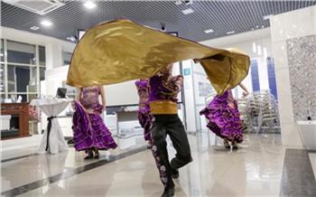 Фоторепортаж: Испанцы, танцы ифаянс