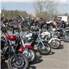 Сотни мотоциклистов проехали поКрасноярску вчесть открытия сезона (видео)