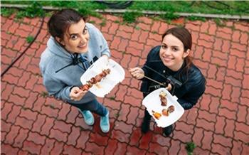 «Выпросто попробуйте!»: как устроен красноярский фестиваль еды «Рестодэй»