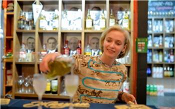 «Там досих пор стоят наши 90-е»: как красноярский бармен Камбоджу покоряла