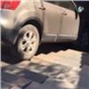 «Спрятался втень»: красноярцев насмешил съехавший вподземный переход Nissan