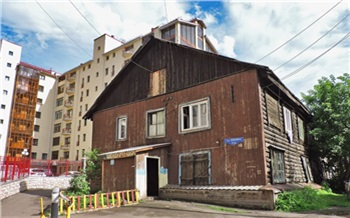 «Аджакузи унас засараем»: как живут вбараках вцентре Красноярска