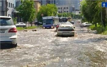 Потоп, снег, жара вСибири: что происходит спогодой?