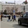 Законопослушная автоледи сбила вцентре города девушку-пешехода