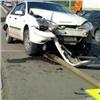 Красноярский водитель пропускал пешеходов и попал в ДТП