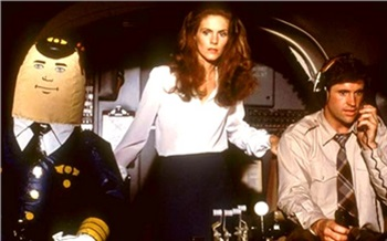 «Авиация— одна большая постель»: откровенный рассказ стюардессы