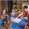 Воспитатель красноярского детсада ведет занятия надвух языках