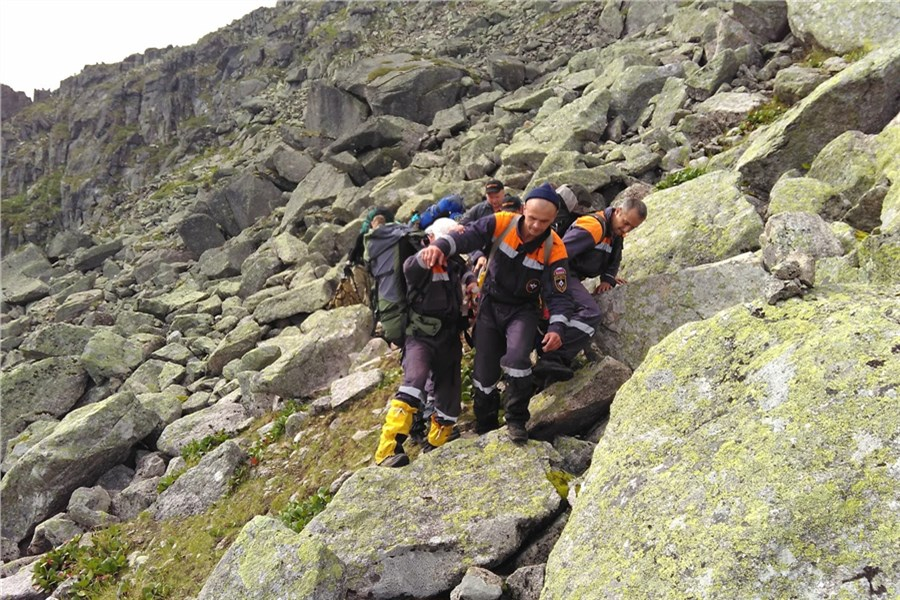 Эвакуация пострадавшего 31 июля туриста с перевала Курсантов