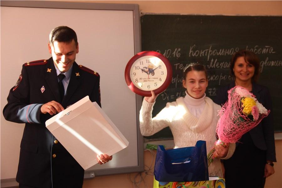Красноярская школьница закрыла собой сестренку отнаезда