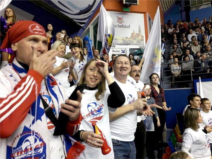 Кузбасские волейболисты взяли верх над красноярцами