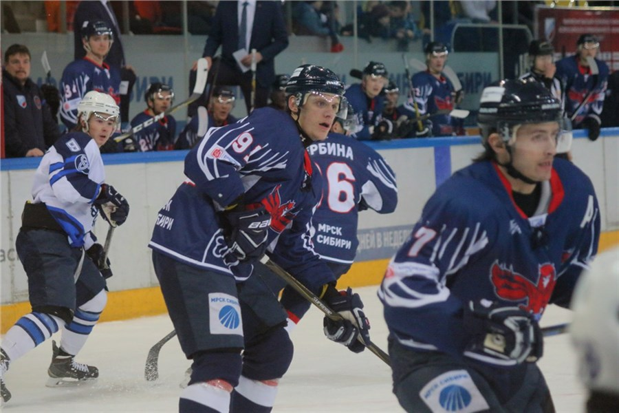 Хоккеисты красноярского «Сокола» обыграли волжскую «Ариаду»