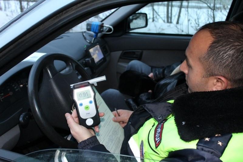 Красноярец помог полицейским задержать нетрезвого водителя