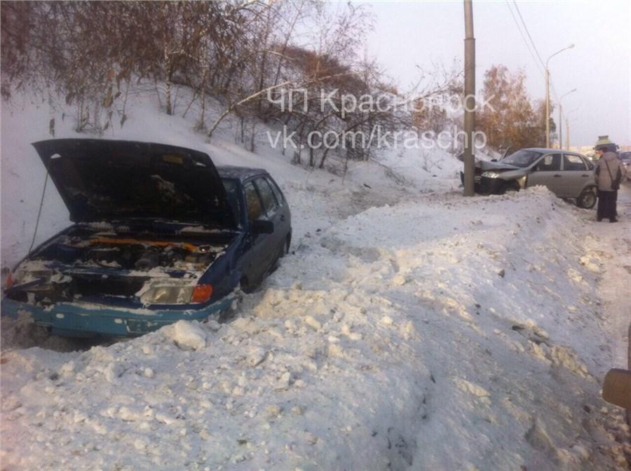 Размещено видео массового ДТП наЕнисейском тракте вКрасноярске
